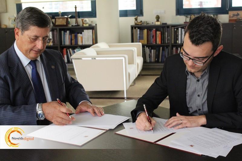 Firma del convenio entre la UMH y el Ayto de Novelda
